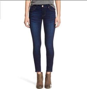 1822 Denim Dk. Rinse Skinny Jeans